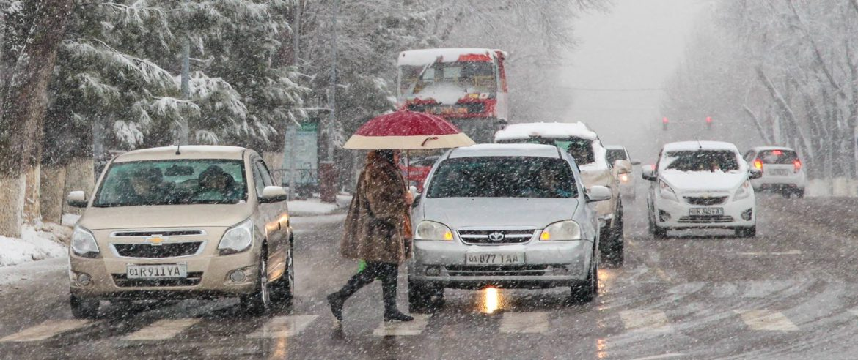 Дорога зимой в Ташкенте - зимняя резина в Узбекистане