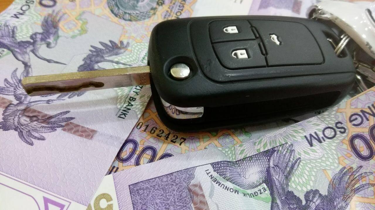 Деньги и ключи от Автомобиля в Узбекистане