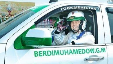 Photo of Президент Туркменистана собрал гоночный автомобиль (видео)