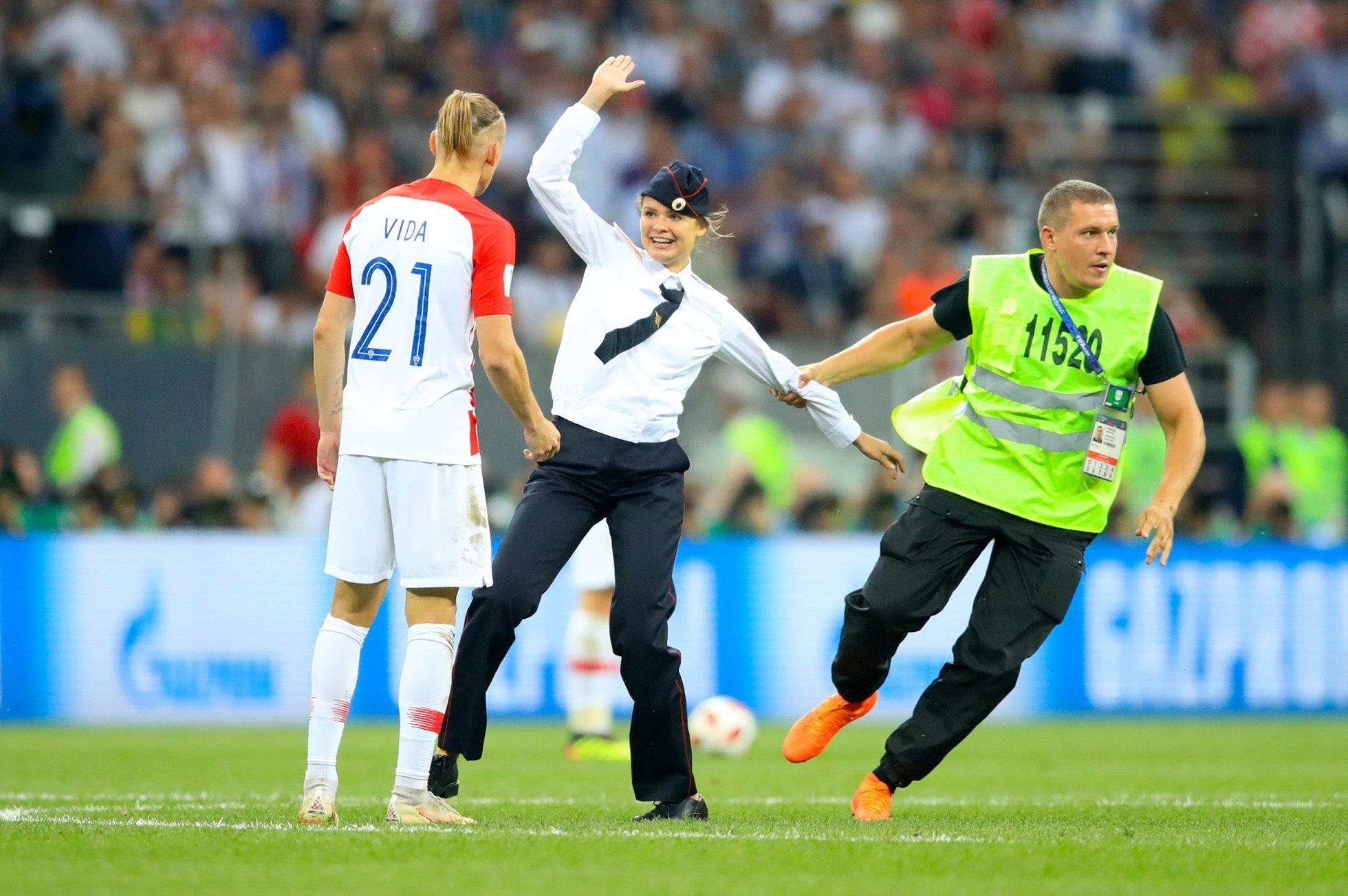 Pussy Riot На матче Франция Хорватия