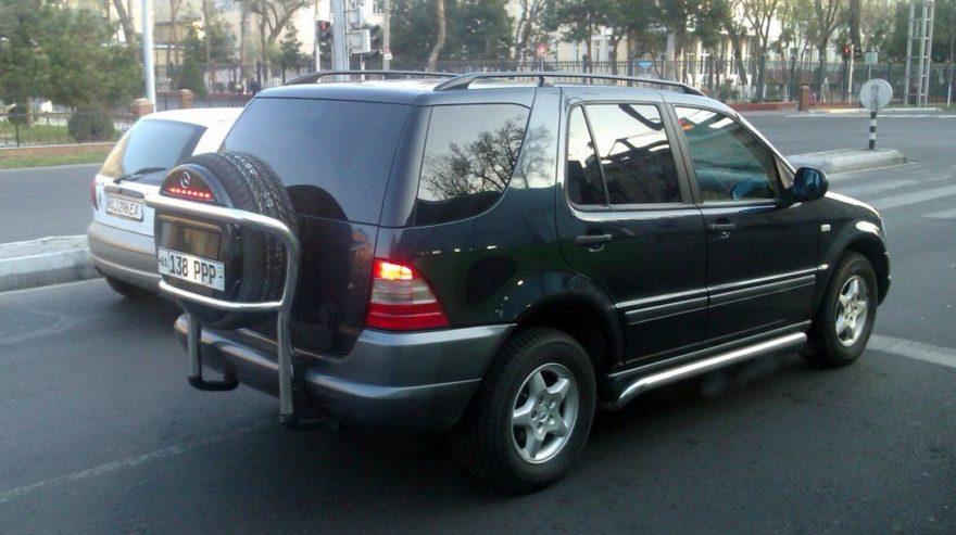 Mercedes-Benz M-Klasse администрации президента Узбекистана с номером PPP