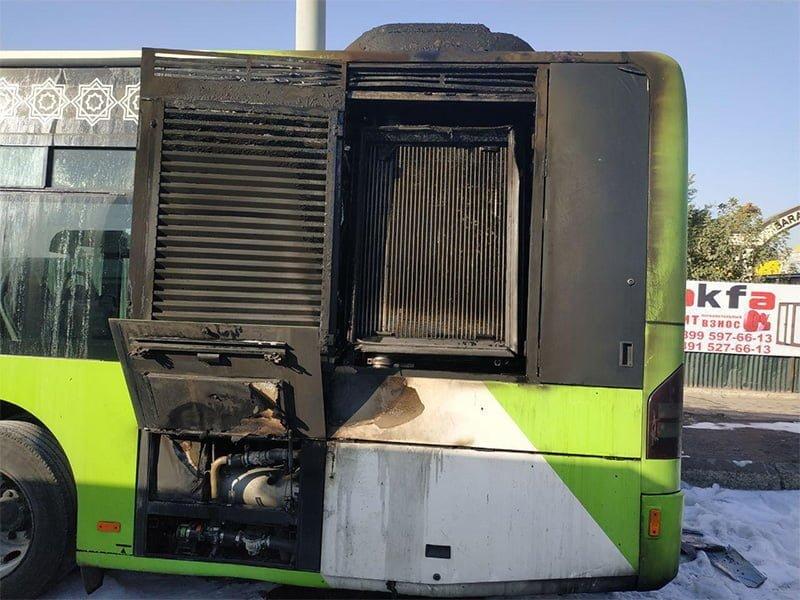 Автобус Сгорел в Ташкенте на Куйлюке