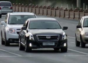 Cadillac XTS с номером 01 050 PPP Ташкент Узбекистан