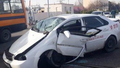 Chevrolet Lacetti попала под шлагбаум на железнодорожном переезде в Ташкенте