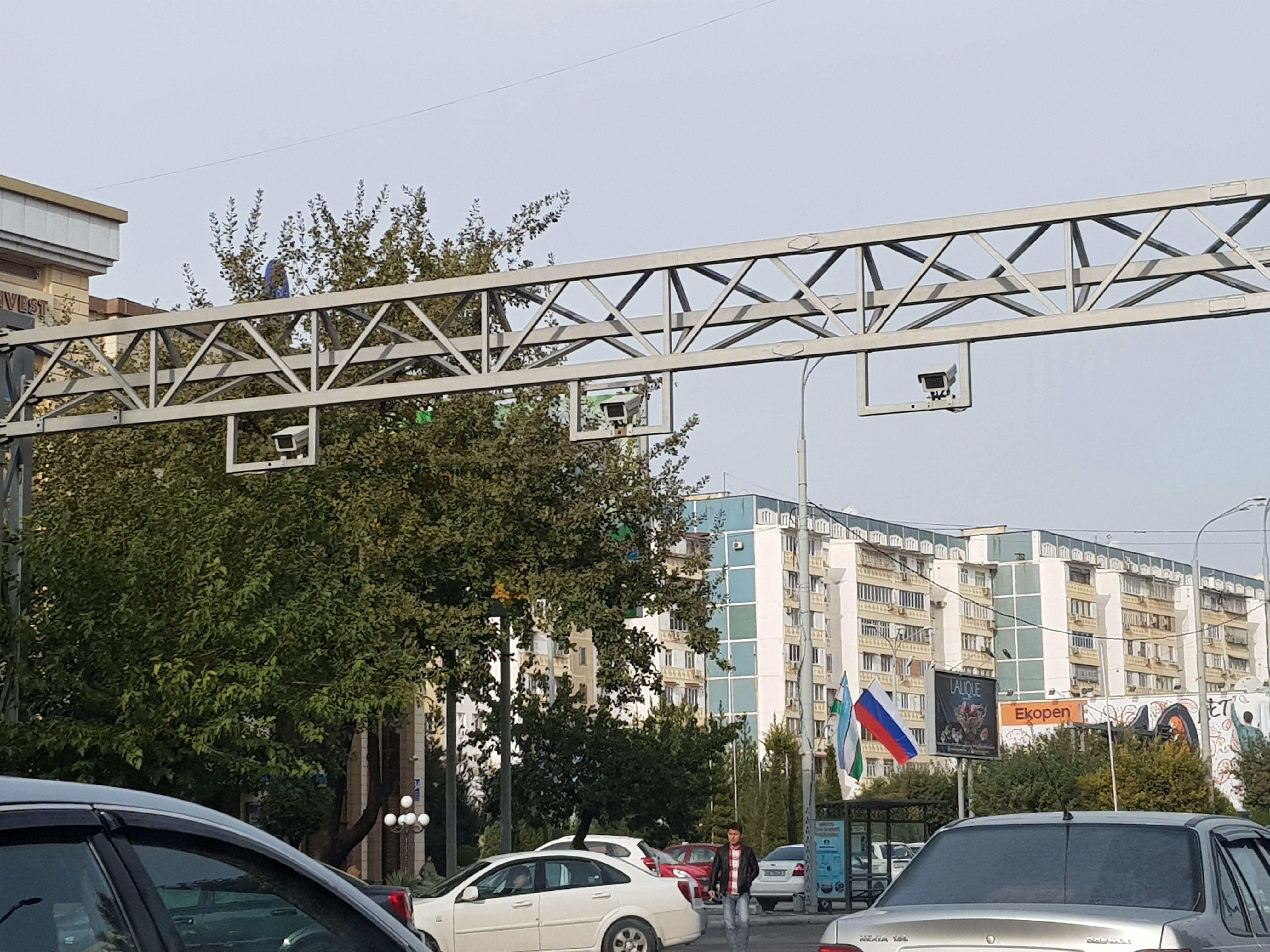 Камеры на дорогах Ташкента