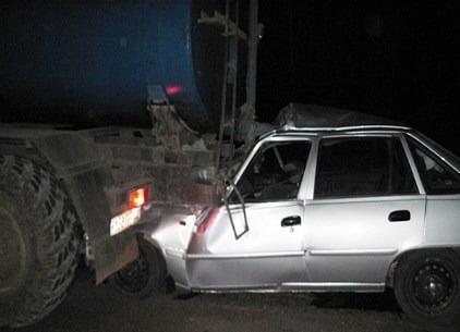 Nexia столкнулась с грузовиком — два человека погибли - 1