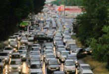 Включенные фары на автомобилях в Ташкенте