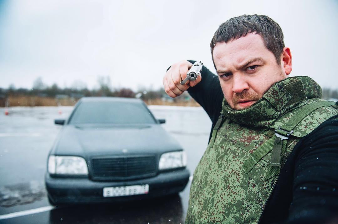 Эрик Давидович Китуашвили (Давидыч) — известный видеоблогер, стритрейсер, основатель сайта smotra.ru известен также как борец с коррупцией в ГИБДД