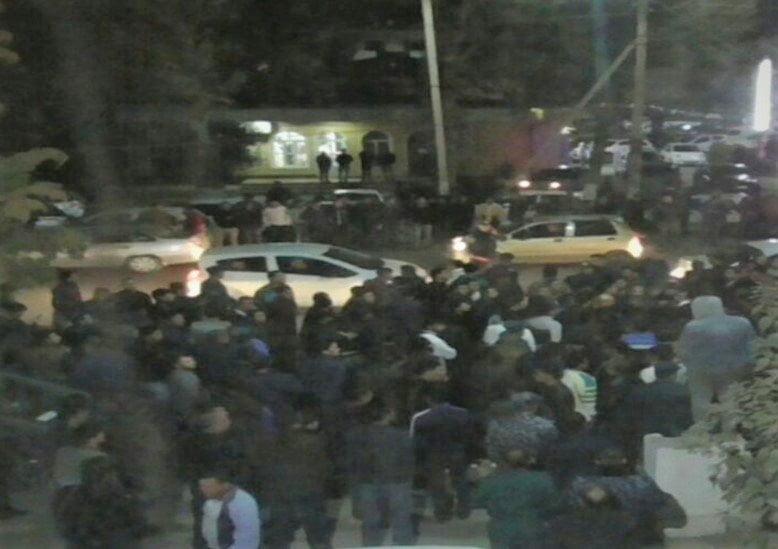 Замначальника ГАИ Янгиюля, который оскорбил таксистов — уволен. Это произошло после митинга у здания ГАИ