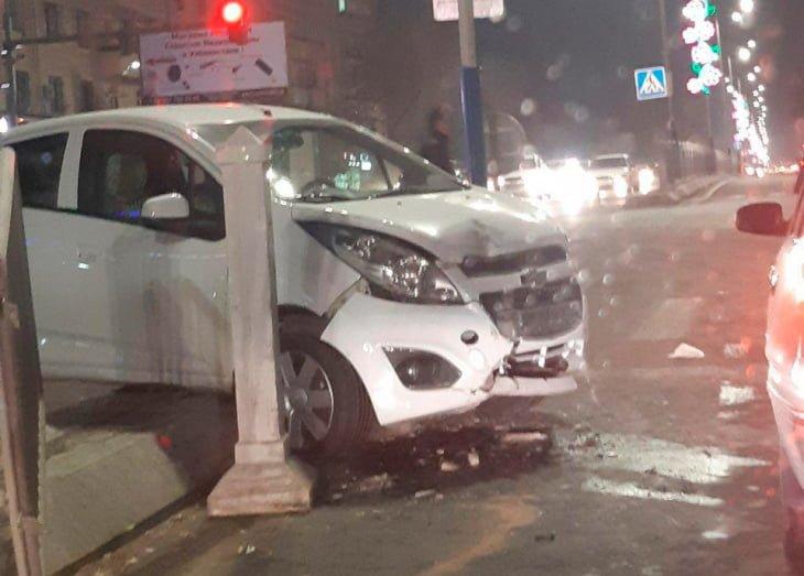 """Тройное ДТП произошло в Ташкенте: столкнулись """"Жигули"""", Spark и Toyota"""