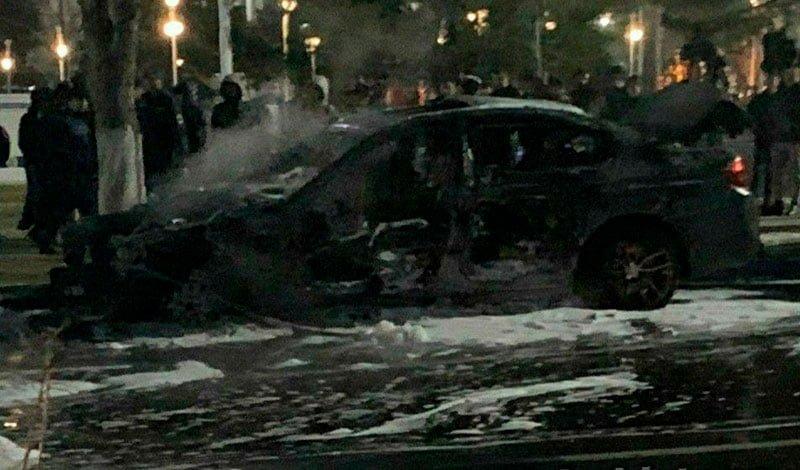 BMW въехал в Lacetti, обе машины сгорели, два человека погибли - 1