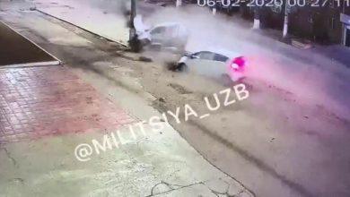 Photo of Смертельное ДТП в Ташкенте попало на видео — Spark протаранил и перевернул Matiz