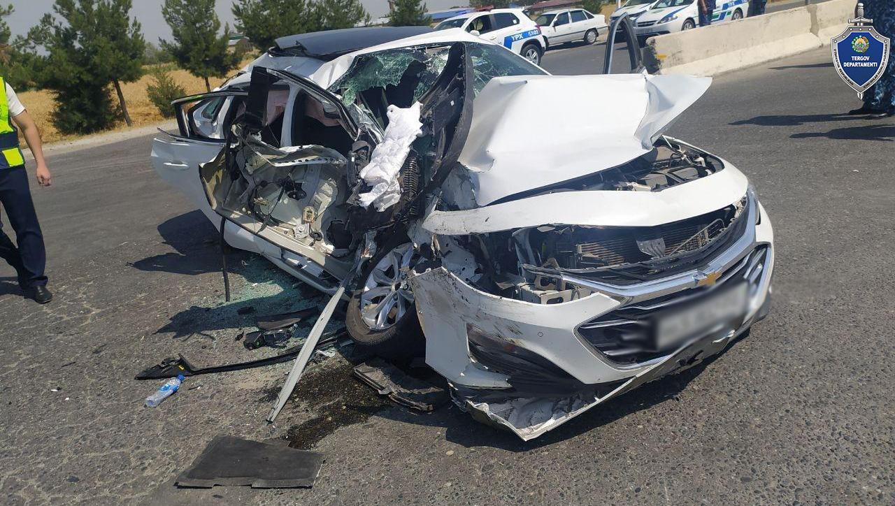Жуткая авария в Самарканде — грузовик протаранил Malibu, три человека погибли (видео столкновения)