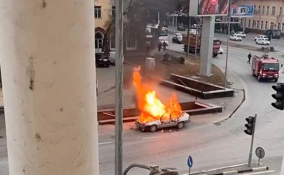 В Ташкенте сгорела Nexia
