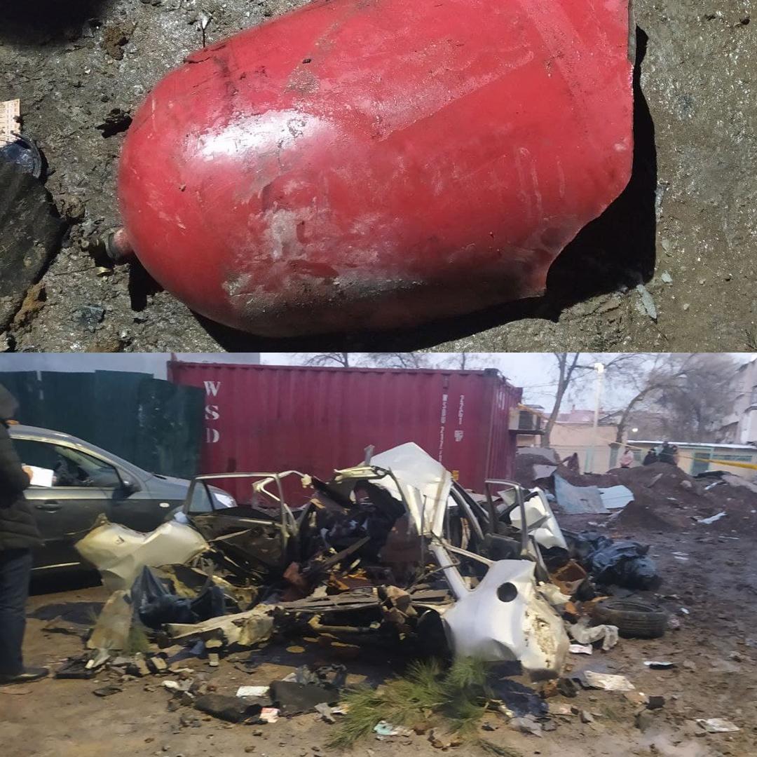 В результате взрыва газа Нексия была полностью уничтожена, а еще 4 автомобиля (Nexia-3, Spark и 2 Matiz), припаркованные рядом были повреждены.