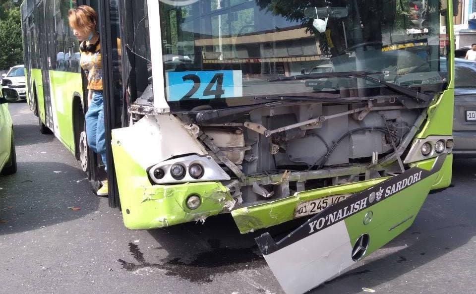 ное ДТП с участием автобуса произошло в Ташкенте